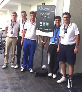 Après leur partie, certains amateurs et Christophe Pottier sont allés rendre visite aux pros préparant le Joburg Open.