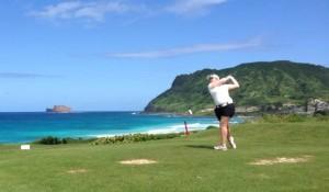 Avec un total de 144, Inès Lescudier occupe la deuxième place à Hawaï avant le dernier tour.