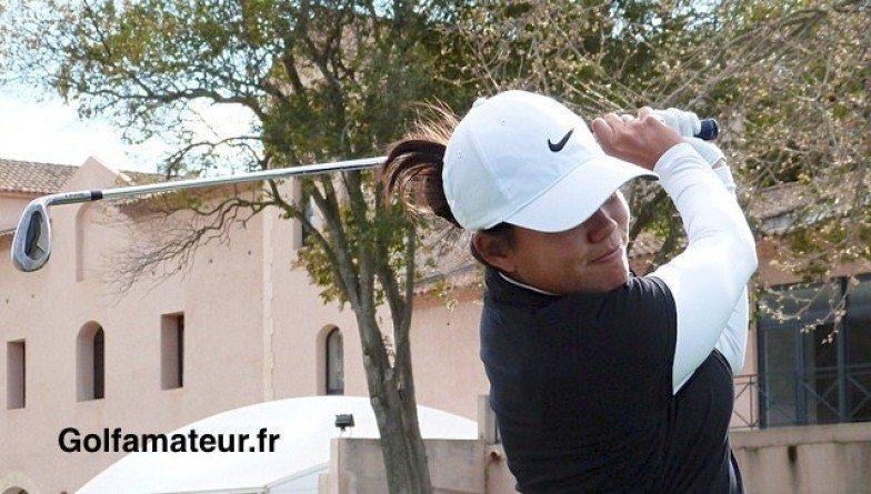 Isabelle Boineau et Fiona Puyo au départ de l'IOA Golf Classic