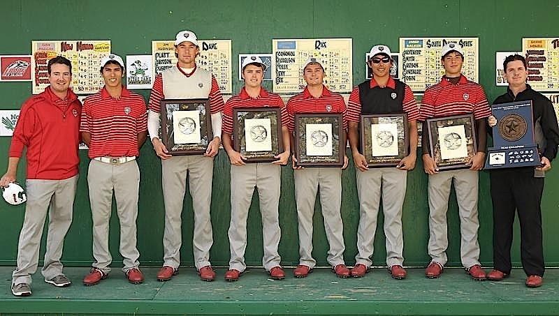 """Les """"Lobos"""" de New Mexico ont remporté leur troisième  tournoi cette saison et réalisé le doublé, eux aussi, grâce au succès de Gavin Green en individuel."""