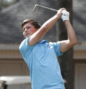 Hubert Tisserand occupe la dix-neuvième place (144) après son 73 du deuxième tour.